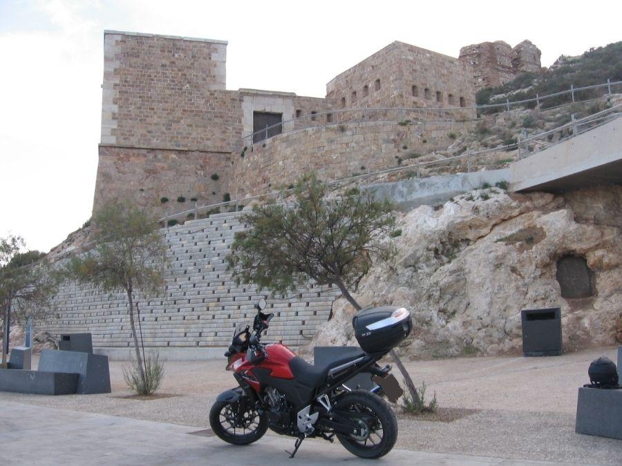 Castillos y motos - Página 2 Cca0ba08-4782-4f4e-814e-11e8e0f21feb_zps305dce0d
