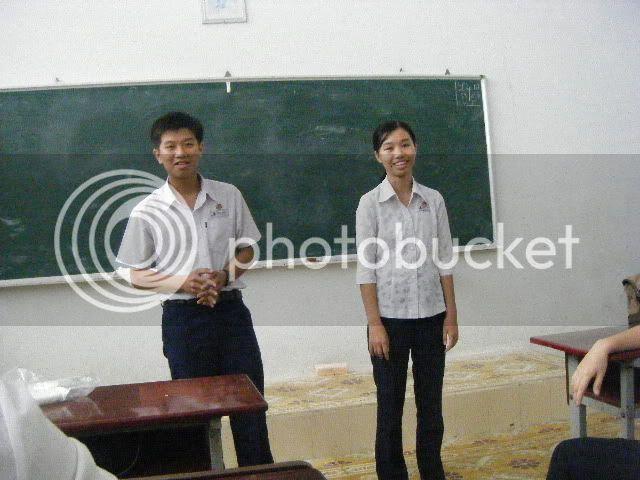 [Hình ảnh] Sinh nhật cô An - 11 Toán Idol  DSCF2488