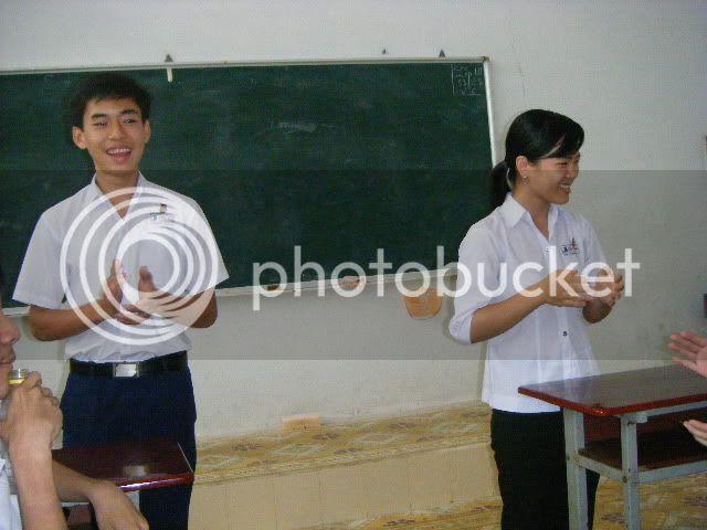 [Hình ảnh] Sinh nhật cô An - 11 Toán Idol  DSCF2493