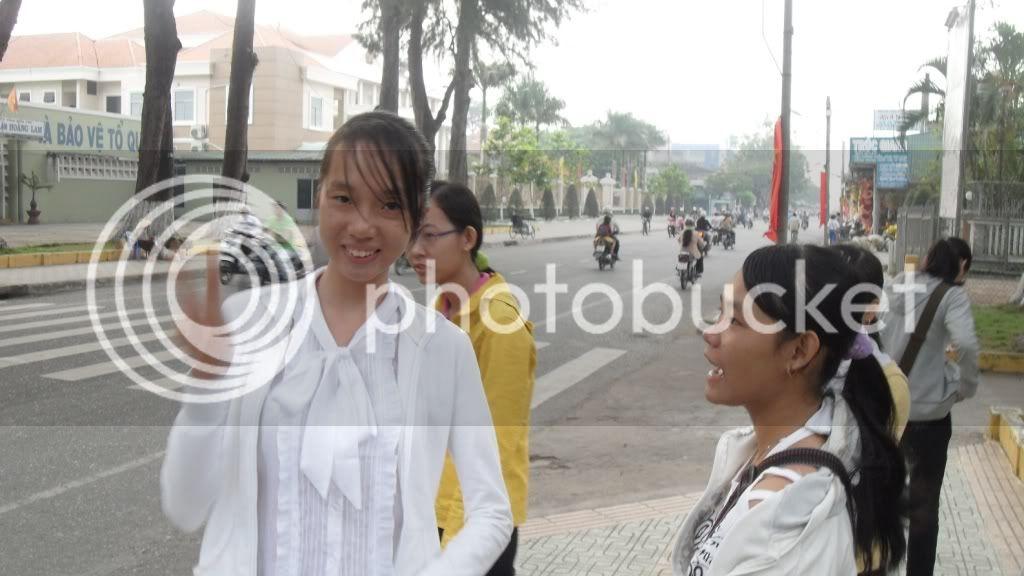 [Hình ảnh] Đi nhà Nhụy - P1 - Chờ xe bus SDC12139