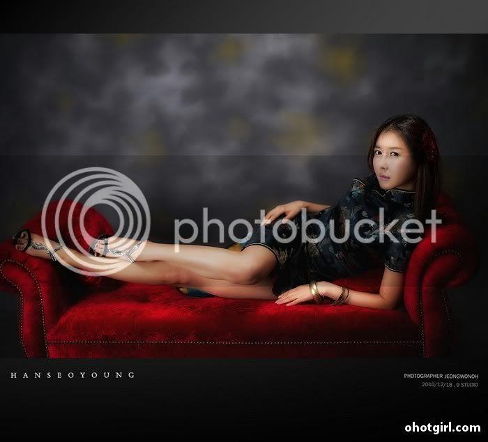 Han Seo Yeong- Three sets Han-Seo-Yeong-Black-Cheongsam-02