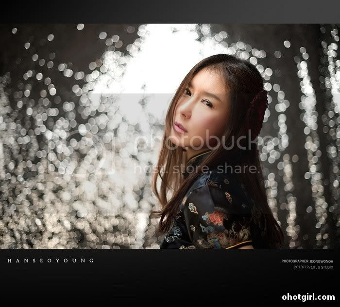 Han Seo Yeong- Three sets Han-Seo-Yeong-Black-Cheongsam-09