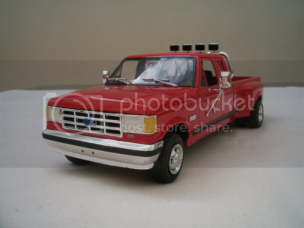 Ford F-350 Duallie 100_3738_zps5d8e9ee9