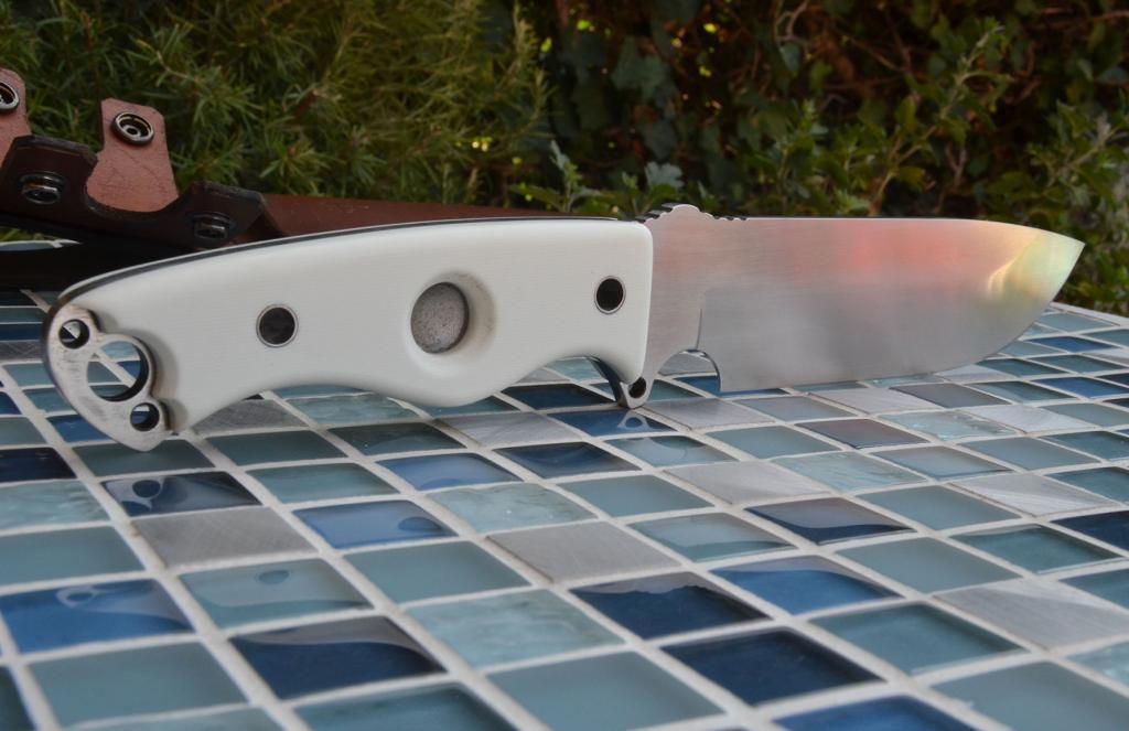 les couteaux du trefle - Page 9 DSC_0201_zpsbcbbf998
