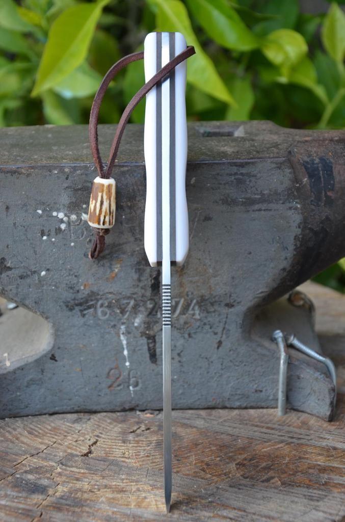 les couteaux du trefle - Page 6 DSC_0839_zps7091a0e0
