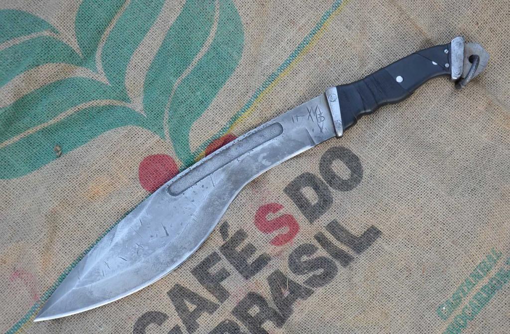les couteaux du trefle - Page 6 DSC_0865_zps29345f6d