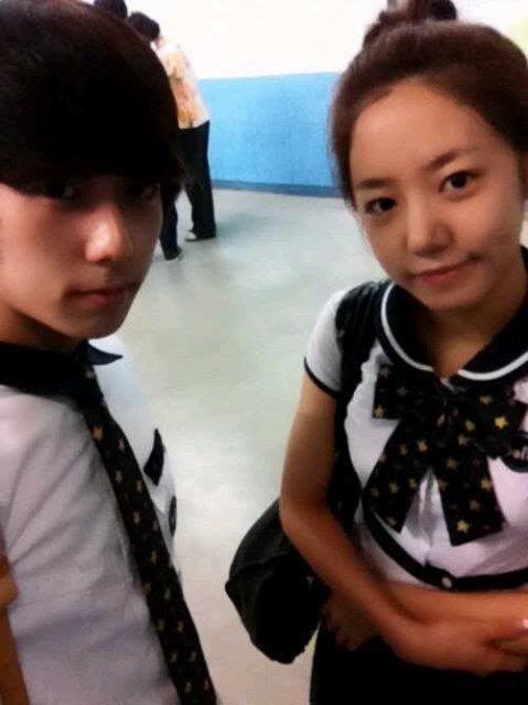 [SELCA] Chaejin @ school con A-Pink's girls  Gj6o4