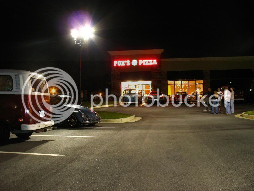 New Thursdy night spot FRoxsPizza9-24-09031