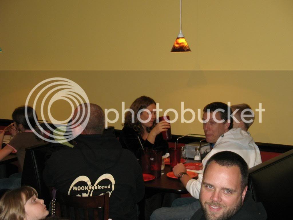 New Thursdy night spot - Page 2 FoxsPizza11-19-09016