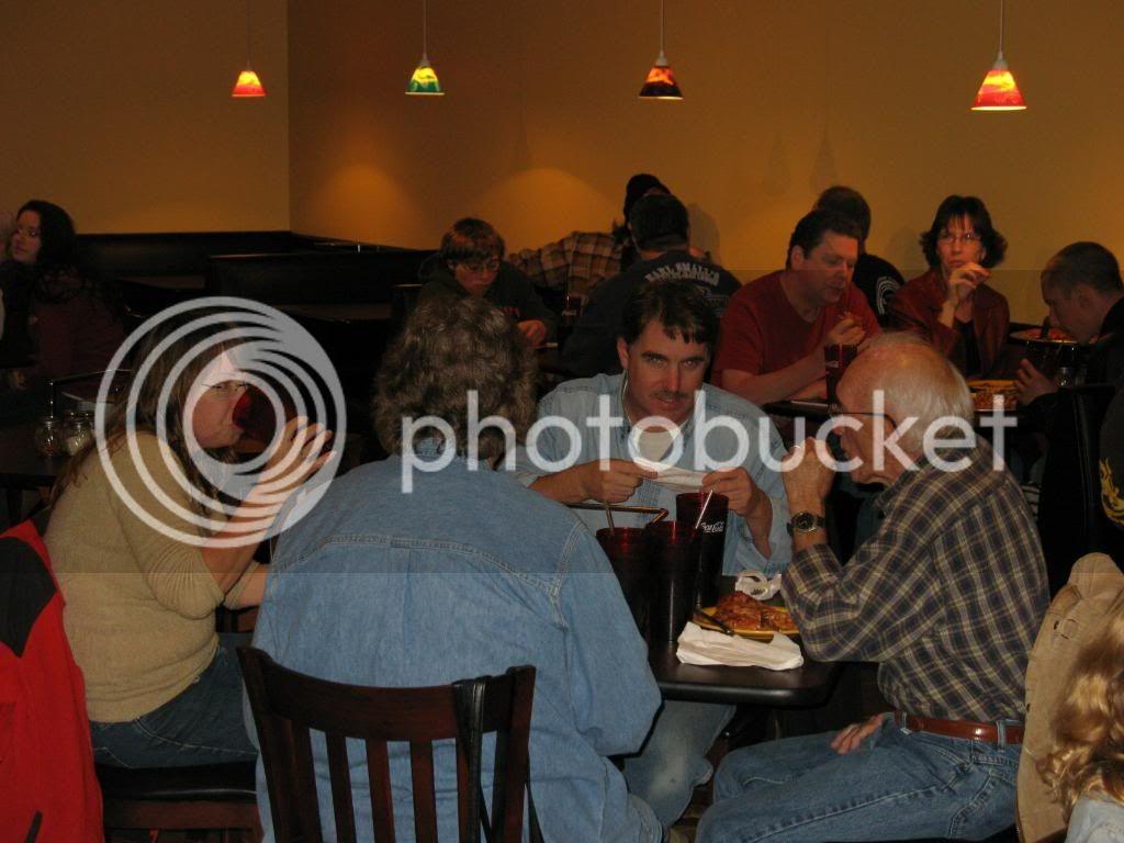 New Thursdy night spot - Page 2 FoxsPizza11-19-09017