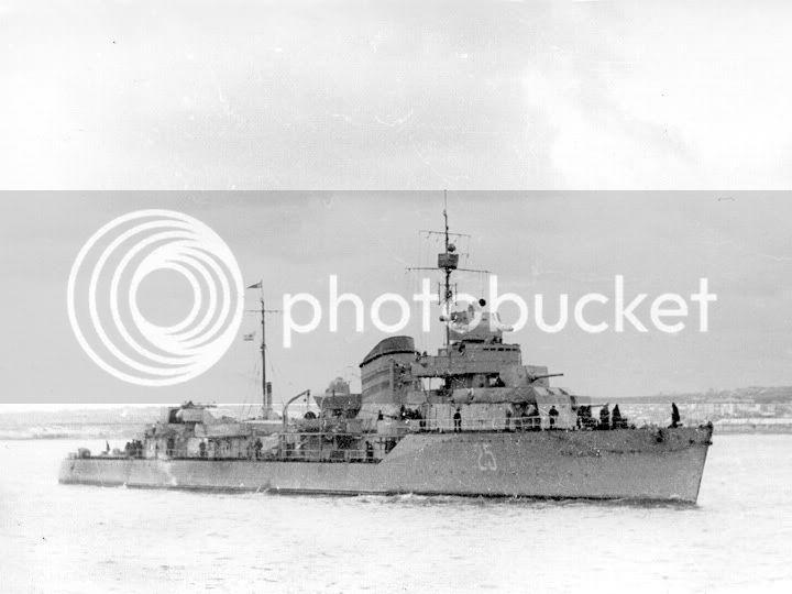 Destroyer soviético Gremyashiy da classe Gnevny Bd