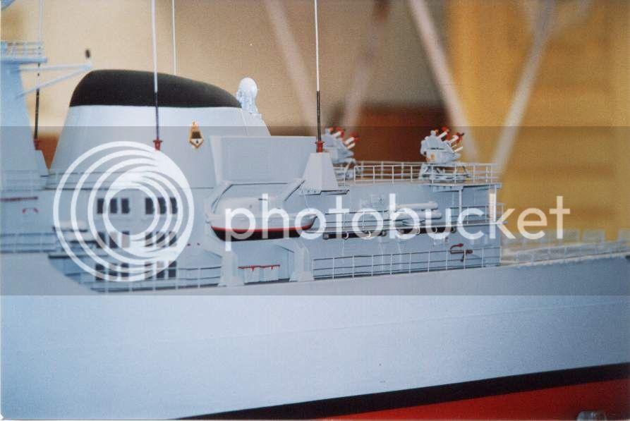Modelo da fragata Independência 01D13DDF