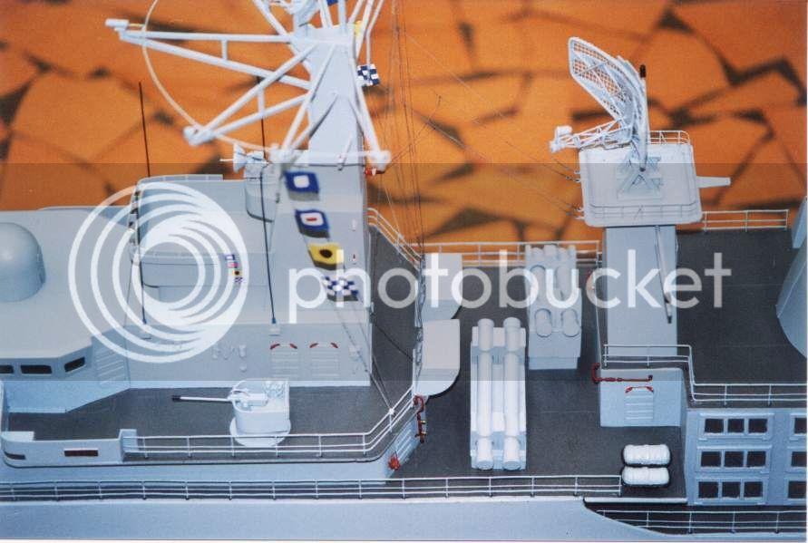 Modelo da fragata Independência 01D13E37