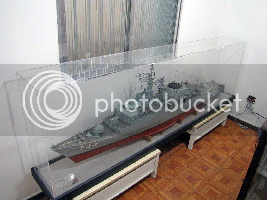 Modelo da fragata Independência Independencia-20-07-11-1