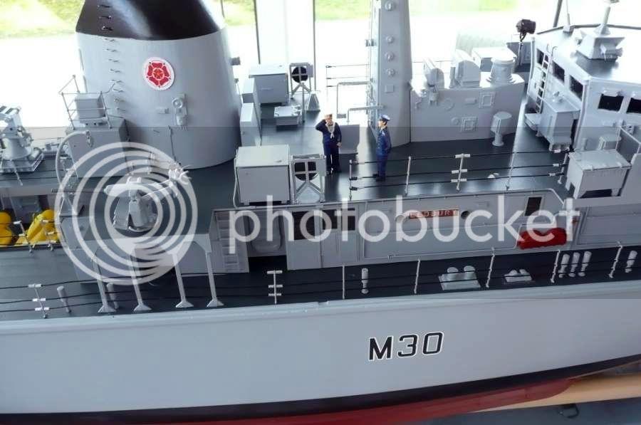 HMS Ledbury M3033