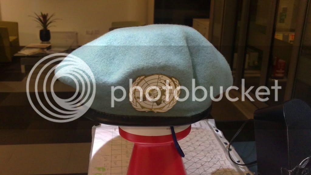 UN beret 003-12