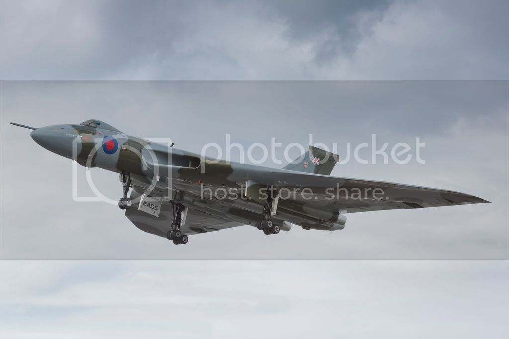 Scottish Airshow 2015 Avro_Vulcan_XH558_at_FIA_2012_hi_res_zpsw4duhdr8