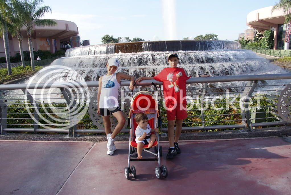 [Walt Disney World Resort] Voyage du 24 juillet au 12 aout 2010 - Page 2 DSC00549