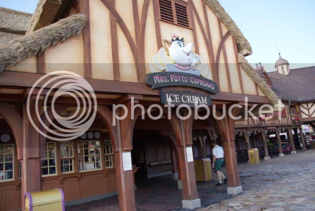 [Walt Disney World Resort] Voyage du 24 juillet au 12 aout 2010 - Page 2 DSC04433