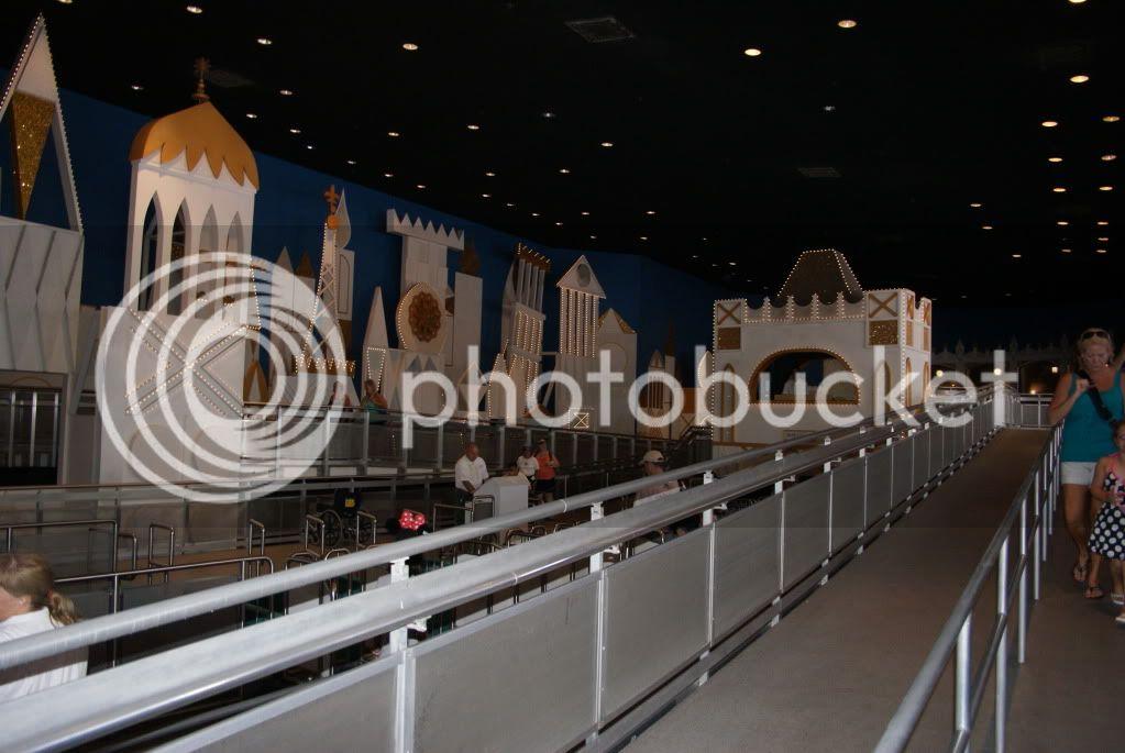 [Walt Disney World Resort] Voyage du 24 juillet au 12 aout 2010 - Page 2 DSC04455