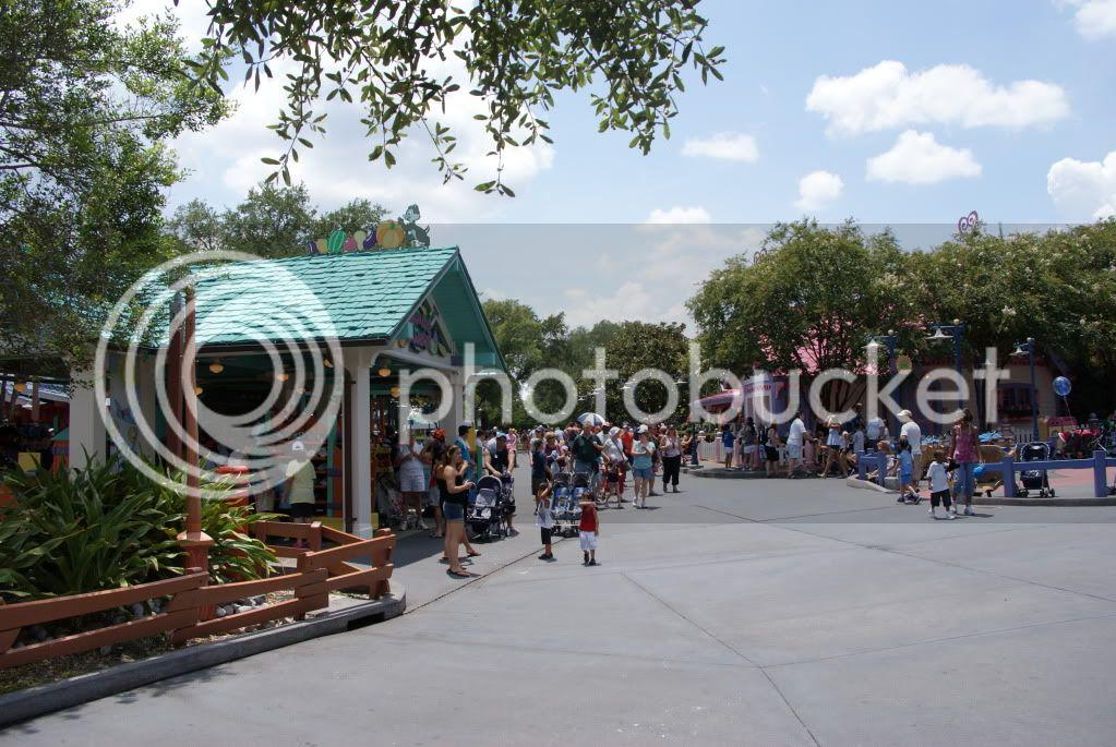 [Walt Disney World Resort] Voyage du 24 juillet au 12 aout 2010 - Page 2 DSC04739