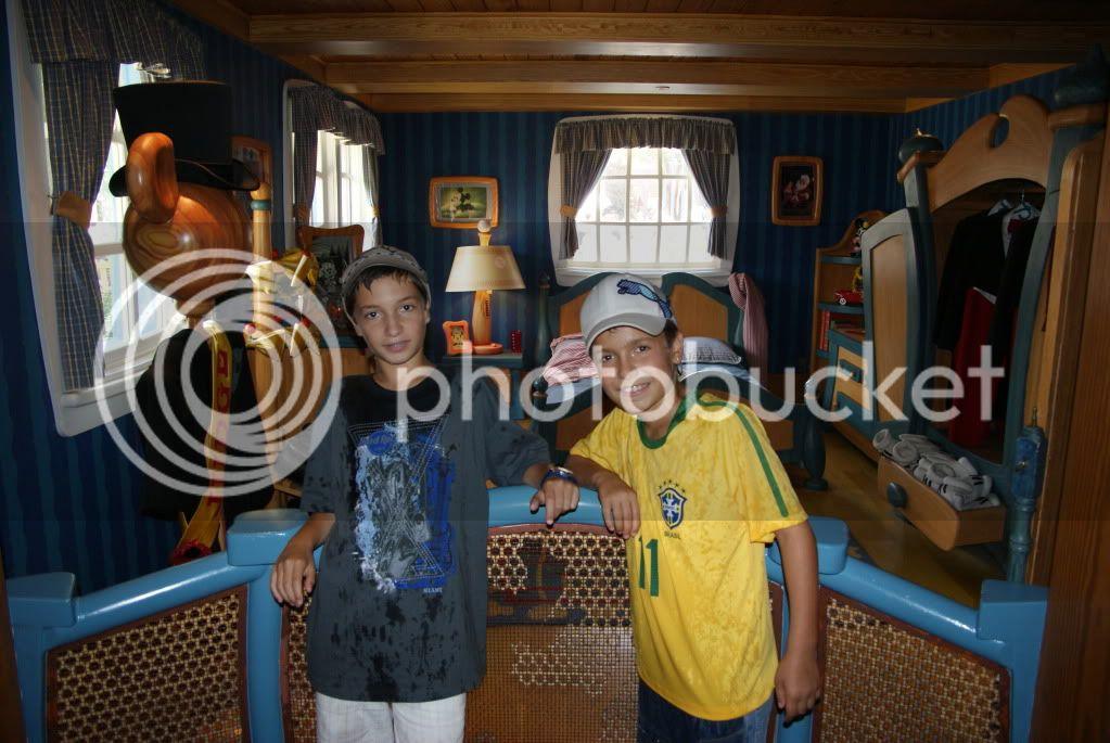 [Walt Disney World Resort] Voyage du 24 juillet au 12 aout 2010 - Page 2 DSC04741