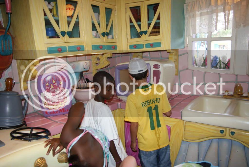 [Walt Disney World Resort] Voyage du 24 juillet au 12 aout 2010 - Page 2 DSC04789