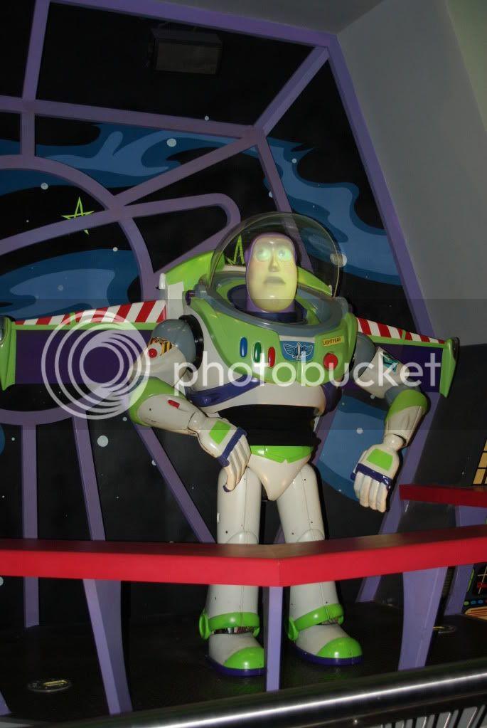 [Walt Disney World Resort] Voyage du 24 juillet au 12 aout 2010 - Page 2 DSC04805