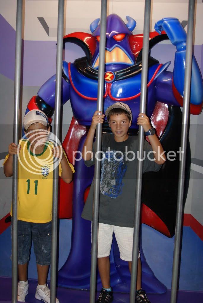 [Walt Disney World Resort] Voyage du 24 juillet au 12 aout 2010 - Page 2 DSC04817