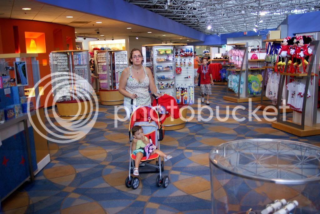 [Walt Disney World Resort] Voyage du 24 juillet au 12 aout 2010 - Page 5 DSC04435