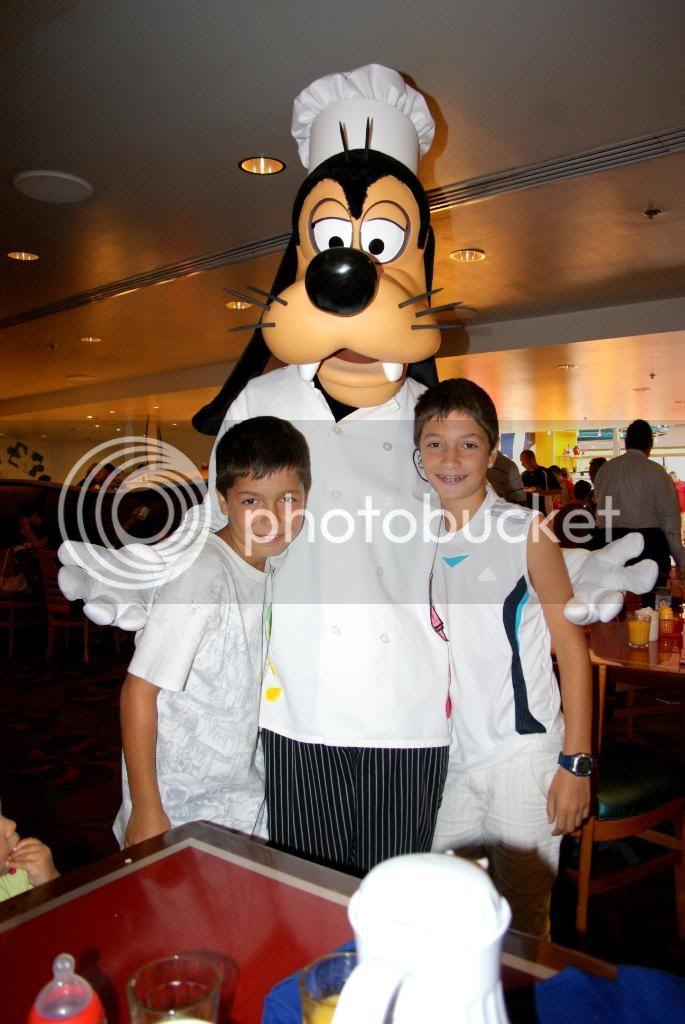 [Walt Disney World Resort] Voyage du 24 juillet au 12 aout 2010 - Page 5 DSC04449