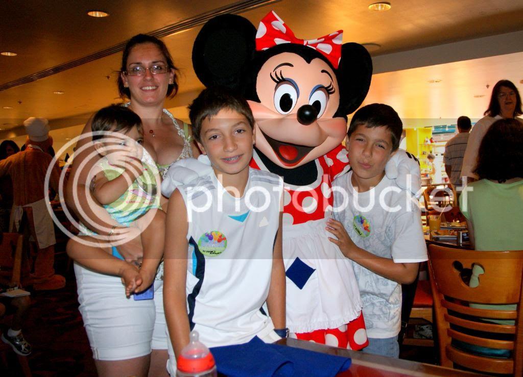 [Walt Disney World Resort] Voyage du 24 juillet au 12 aout 2010 - Page 5 DSC04481