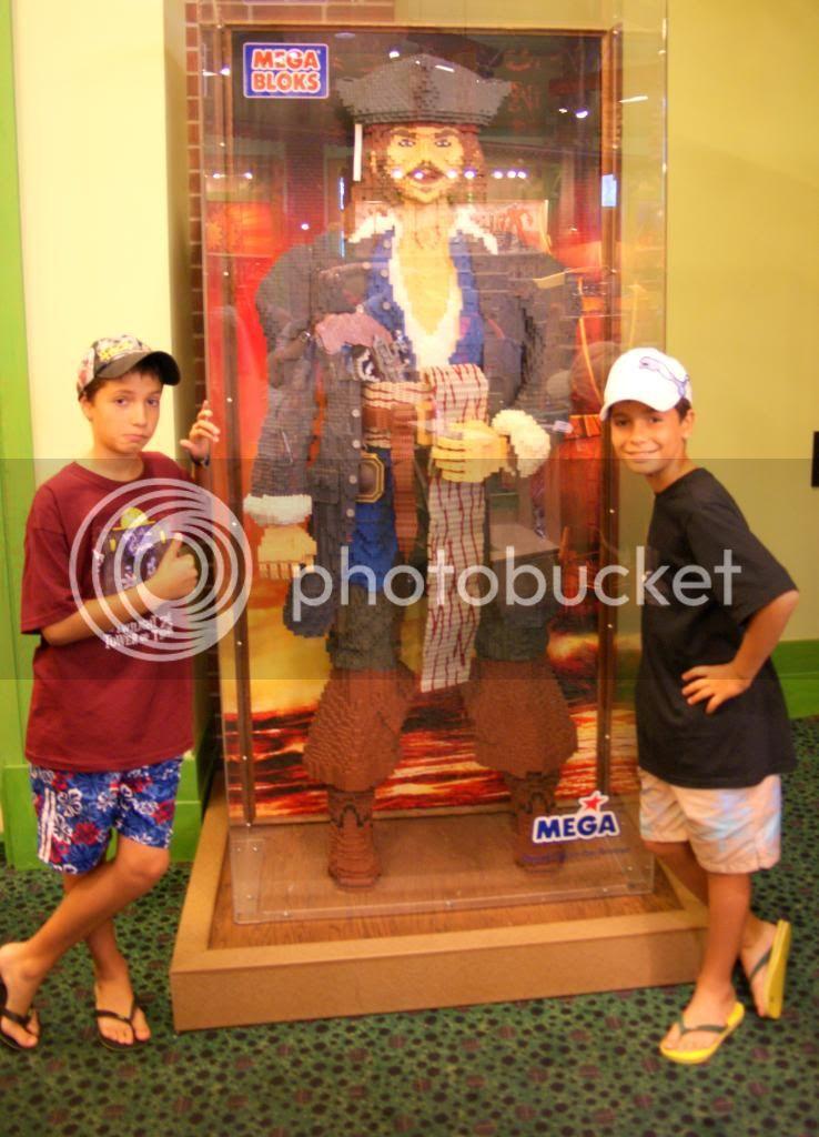 [Walt Disney World Resort] Voyage du 24 juillet au 12 aout 2010 - Page 4 DSC03479