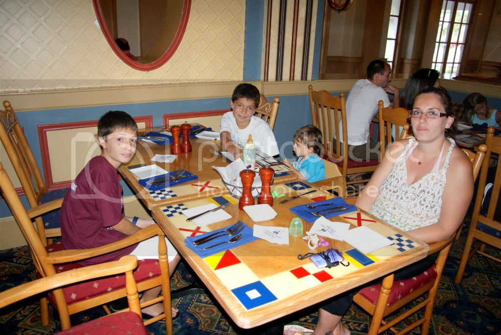 [Walt Disney World Resort] Voyage du 24 juillet au 12 aout 2010 - Page 4 DSC04343