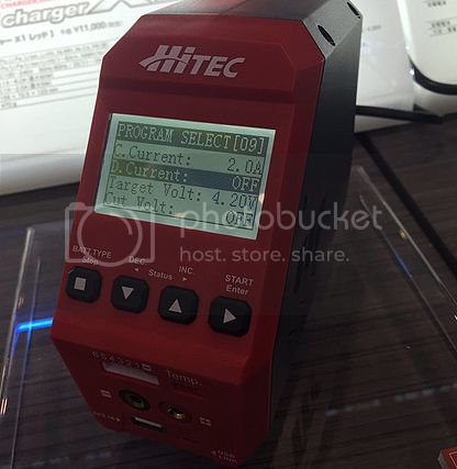 [FUTURE NEW] Chargeur X1Red par Hitec Charger/X1 RED/SHIZUOKA HOBBY SHOW IN JAPAN X1Red%20par%20Hitec%20