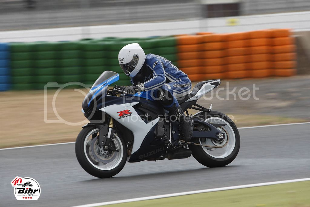Track day Magny-cours Julho 2015 BIHR%20TRACK%20DAYS%202015%20201_zpssnfhk5m3