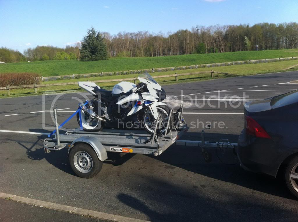 Magny-cours - Abril 2013 IMG_0186_zps26bbba6b