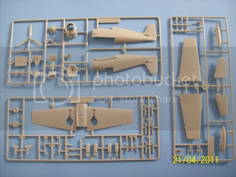 Grumman F6F-5 Hellcat MINSI III - Academy 1/72 Variados008