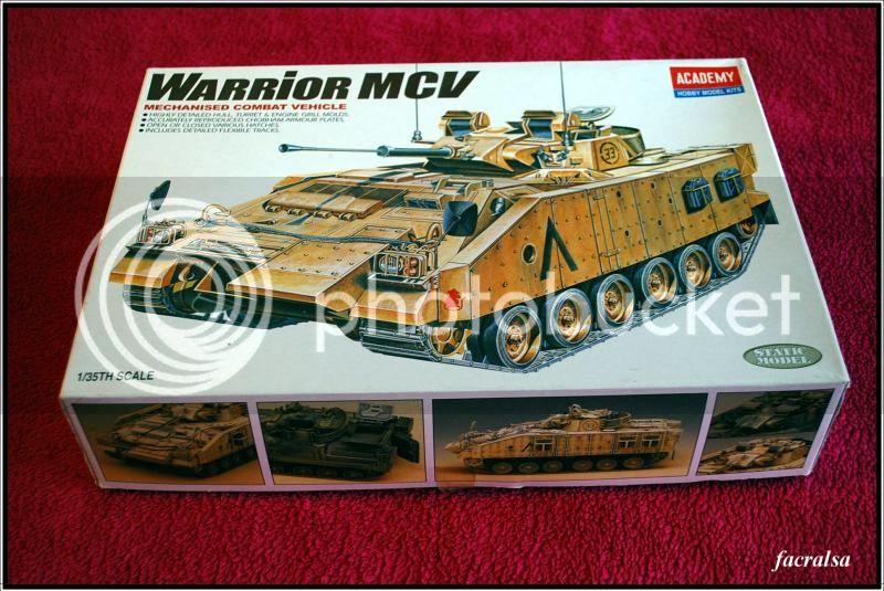Warrior MCV (Academy 1365) a 1/35 WarriorMCV01