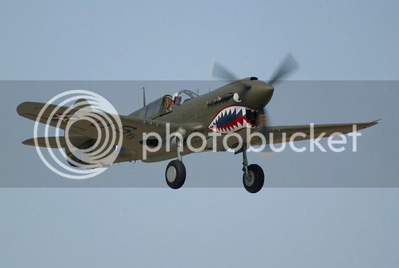 Yo los llamo tuneados de Aviones P40PullingUpWheels