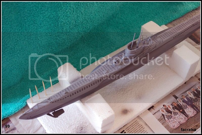 GERMAN SUBMARINO U-99 (Revell 1/125) U-99%2099