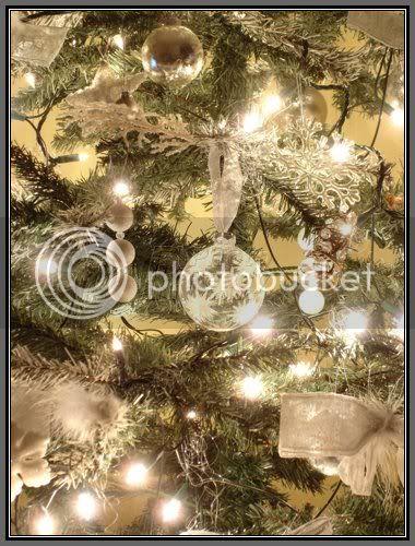 Ảnh mừng Giáng Sinh! 494c8a10_white-christmas-tree-decor