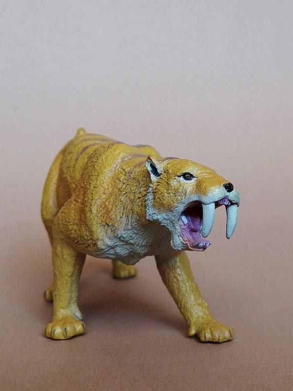 Favorite - Prehistoric Life Softmodel - Smilodon fatalis FavoriteSmilodon05