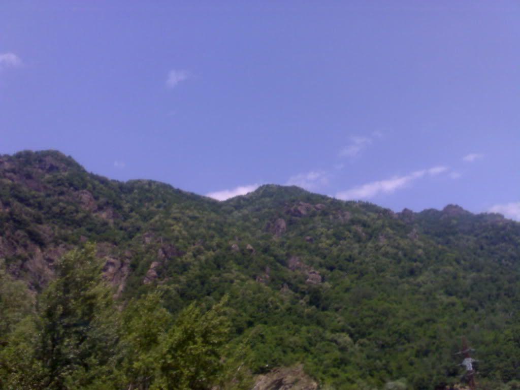 நான் ரசித்த மலைகளின் காட்சிகள் சில.... - Page 2 Silv3rimg014