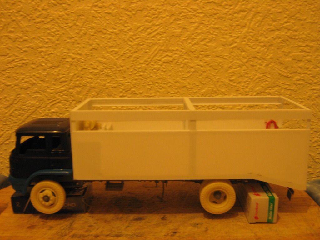 Bedford TK Fallen Stock Removal Truck (Bovine) IMG_1307_zps7327324f