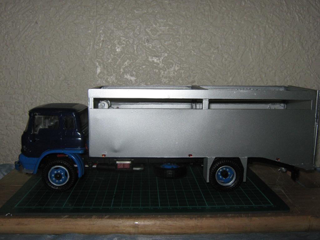 Bedford TK Fallen Stock Removal Truck (Bovine) IMG_1344-1_zpsa96e9bc5