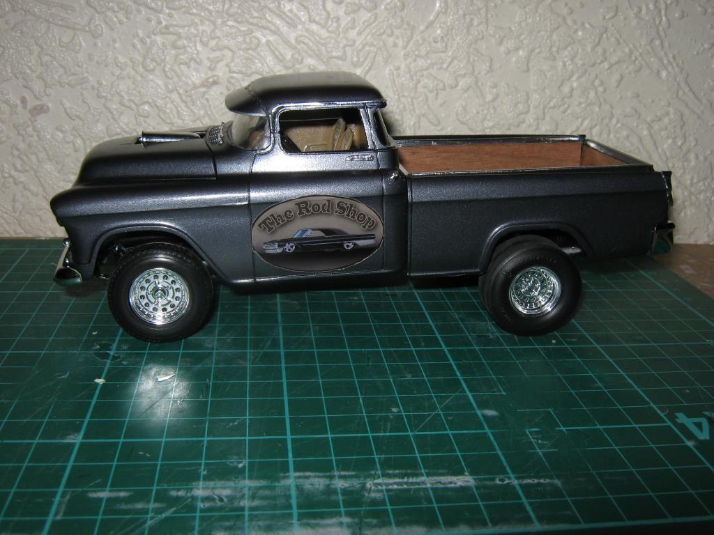 1955 Chevy Cameo Pickup (Chopped + Jacked rear) IMG_1610_zps50112c35