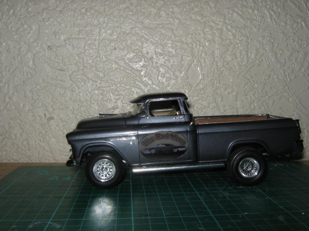 1955 Chevy Cameo Pickup (Chopped + Jacked rear) IMG_1616_zps5303a1e2