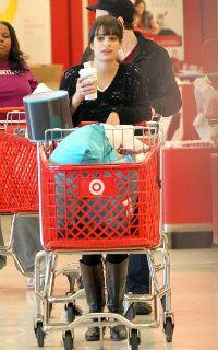Lea, Chris and Amber go shopping Lea-michele-110310-2-1