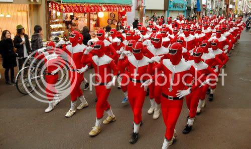 ข่าวด่วน เสื้อแดงออกมาเดินขบวนอีกแล้ว Red